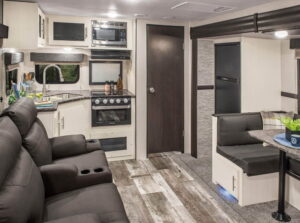 travel trailers with 2 bathrooms
