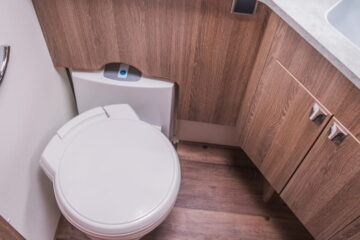 rv toilet smells when flushed